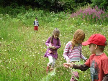 Kids-in-meadow-2